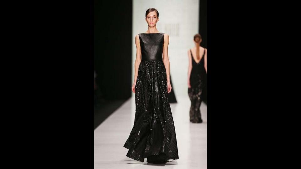 Коллекция Tony Ward Couture осень-зима 15/16. Фото с официального сайта mbfw