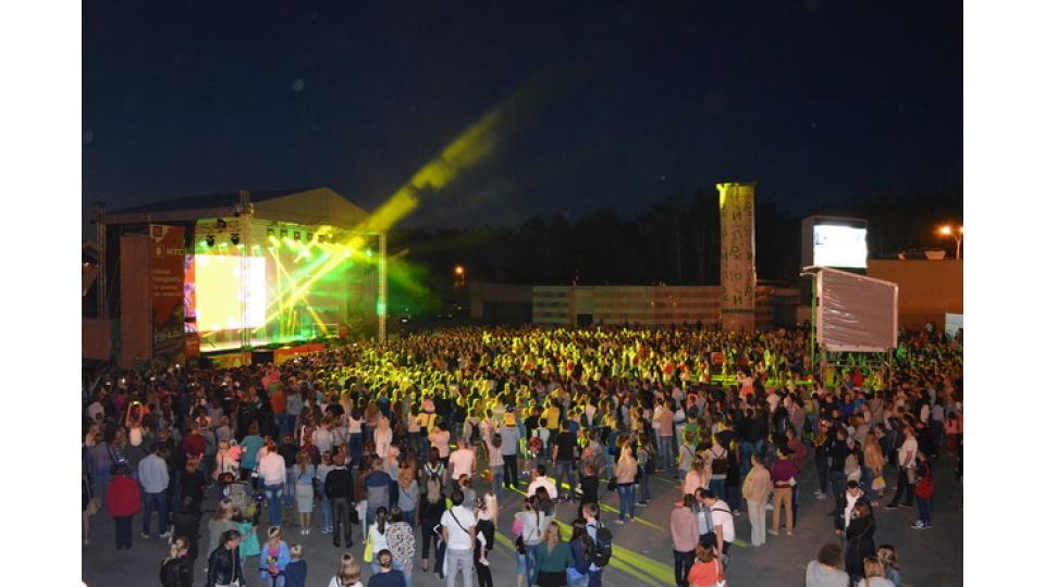 Сотни людей учились у ярких участников шоу «Танцы» из команды Мигеля