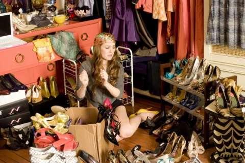 8 лайфхаков, которые помогут навести порядок в шкафу
