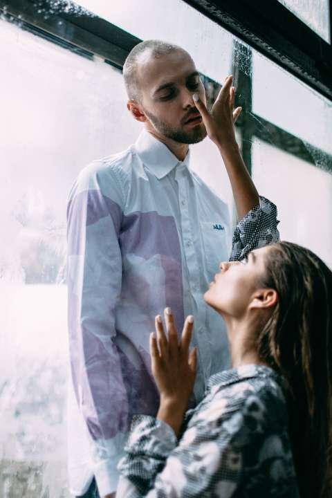Съемки клипа были чертовски сексуальны»: Макс Барских о новом видео «Туманы»