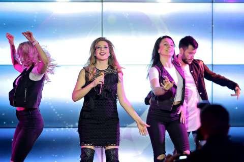 Лоя презентовала первый сольный альбом