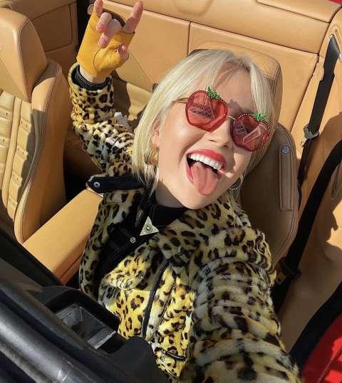 Клава Кока купила свою первую машину