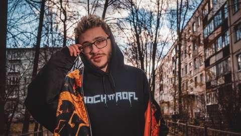 Эльдар Джарахов хочет удалить трек «Я в Моменте»